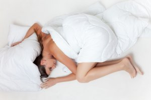 bed-bedroom-blanket-33690
