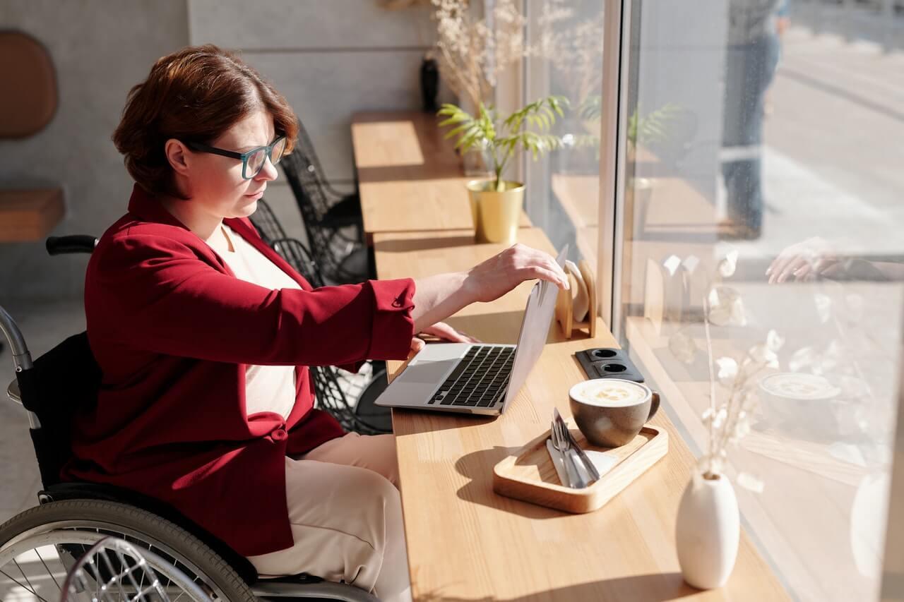 Situation de handicap : avantages à suivre une formation